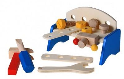 Верстак с набором инструментов